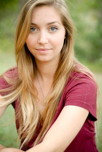 Ellie 2015-8045